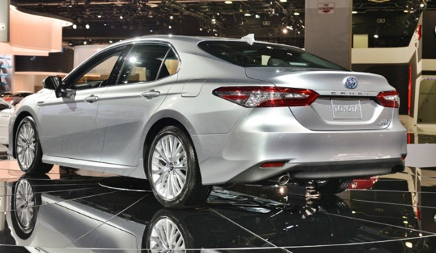 2019 Toyota Camry Detroit Auto Show - Rear Style