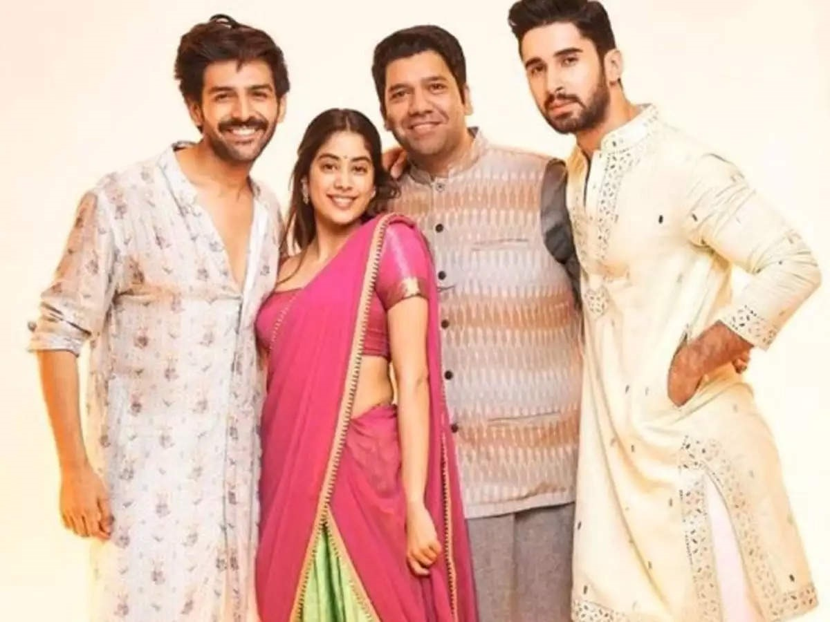 Dostana 2 Movie Cast, Release Date, Official Trailer, Controversy, Actress Name