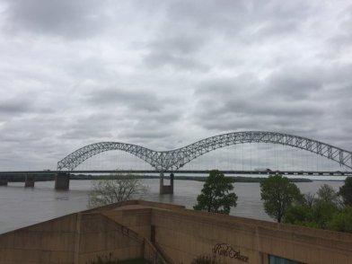 24 bridge connecting tennessee to arkansas