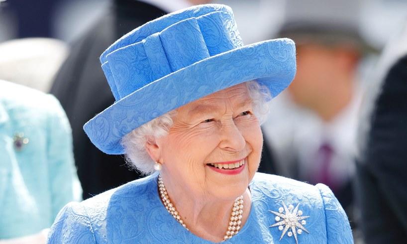 Queen Elizabeth Miriam Escofet Portrait Virtually