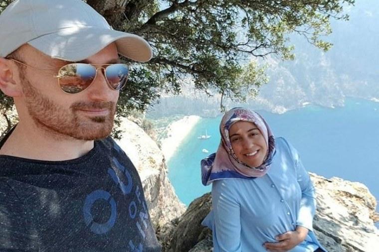 Hakan Aysal Semra Wife Selfie Cliff Turkey Husband Arrested