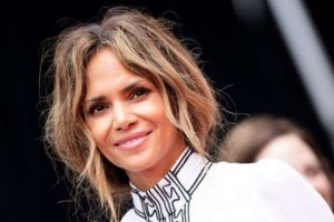 Halle Berry Van Hunt Oscars Actress Debuts New Hair