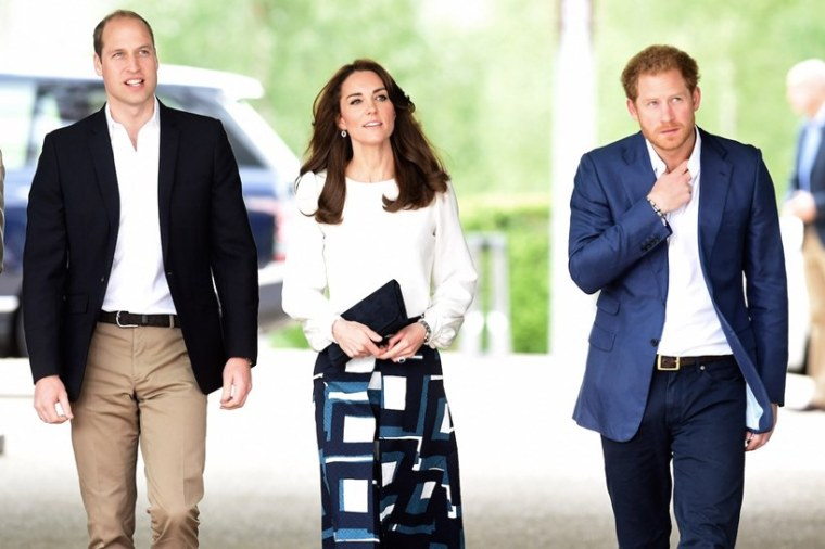 Prince William Kate Middleton Harry Mediator At Philip Funeral For Queen Elizabeth