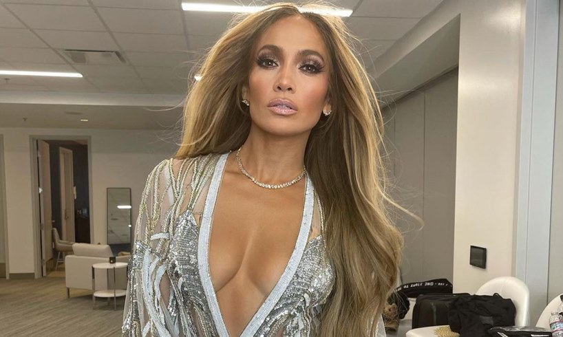 Jennifer Lopez Stuns In Rare Family Portrait As Friend Explains Why She Will Continue To Hang Out With Ben Affleck Even After The Nivine Jay Video - US Daily Report