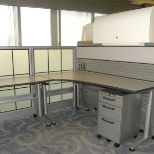 Used 6x6 Knoll Currents with Morrison Panels1