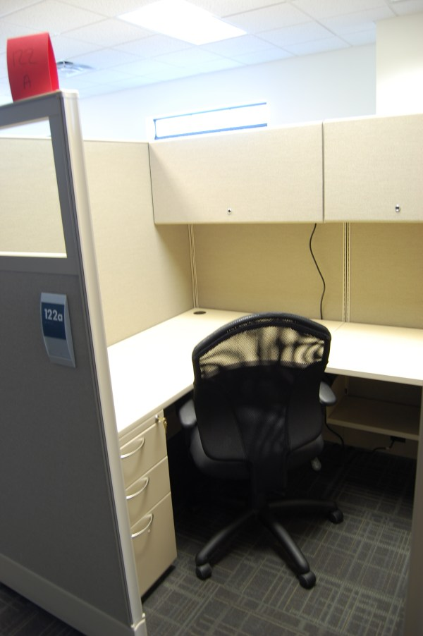 Used AIS DiVi 5x5 Workstations