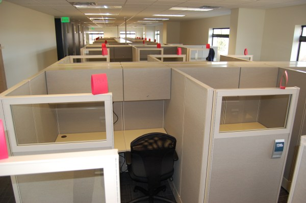 Used AIS DiVi 5x5 Workstations5