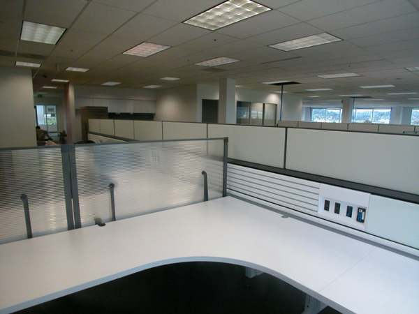 Used Knoll Currents and Morrison Cubicles1