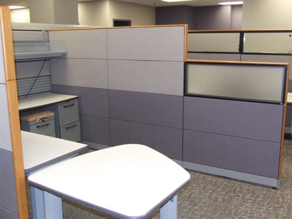 knoll currents cubicles loaded with tall walls 1