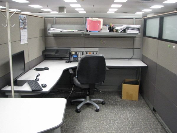 knoll currents cubicles loaded with tall walls