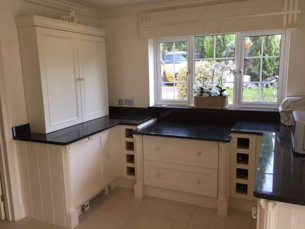 Bespoke Traditional Shaker Style White Kitchen Granite