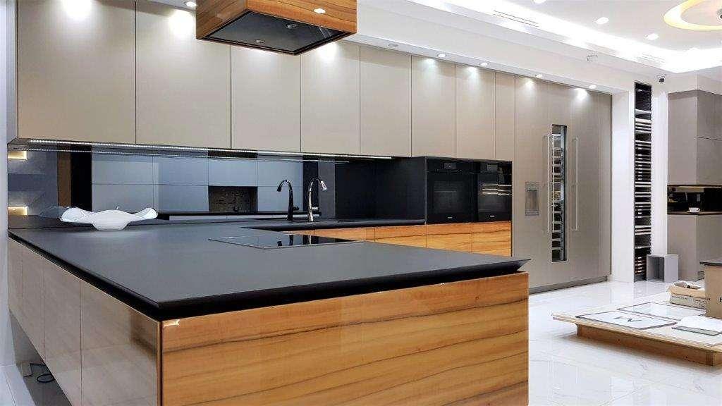 Warendorf Ex Display Kitchen Aluminium Titan Bookmatched Tineo Wood Veneer Dekton Sirius