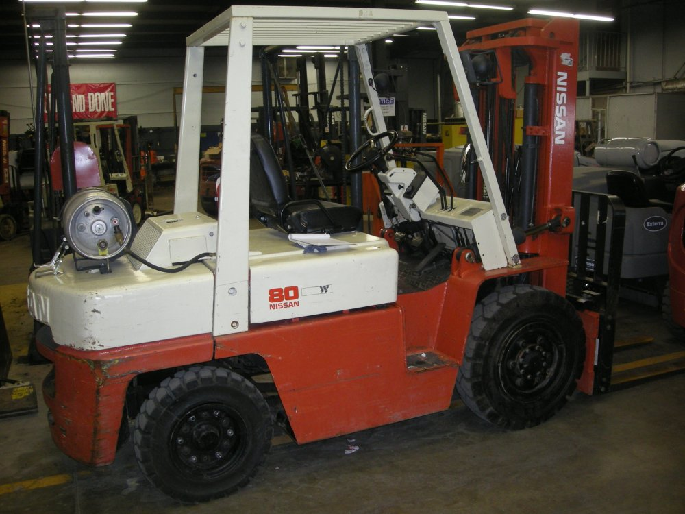 What is The Difference Between Cushion & Pneumatic Forklifts? (2/2)
