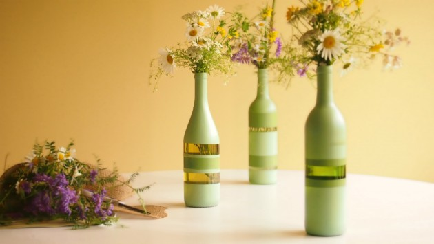 17 Fascinatingly Beautiful DIY Wine Bottle Crafts To Accessorize Your Decor usefuldiyprojects.com (3)