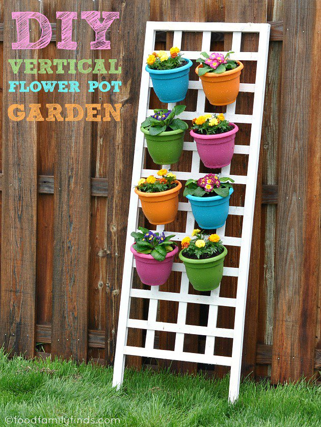 21 Mesmerizing DIY Projects That Will Beautify Your Garden This Summer usefuldiyprojects.com backyard (1)