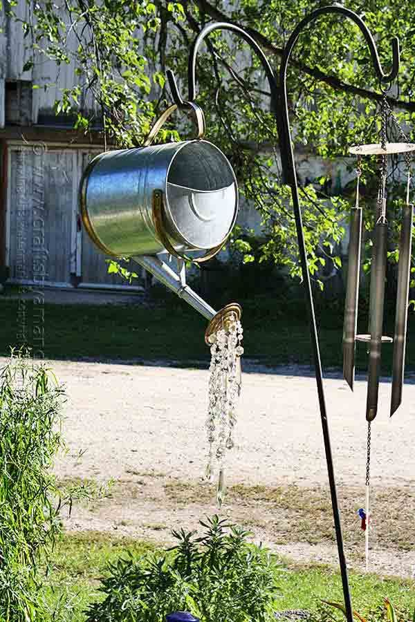 21 Mesmerizing DIY Projects That Will Beautify Your Garden This Summer usefuldiyprojects.com backyard (10)