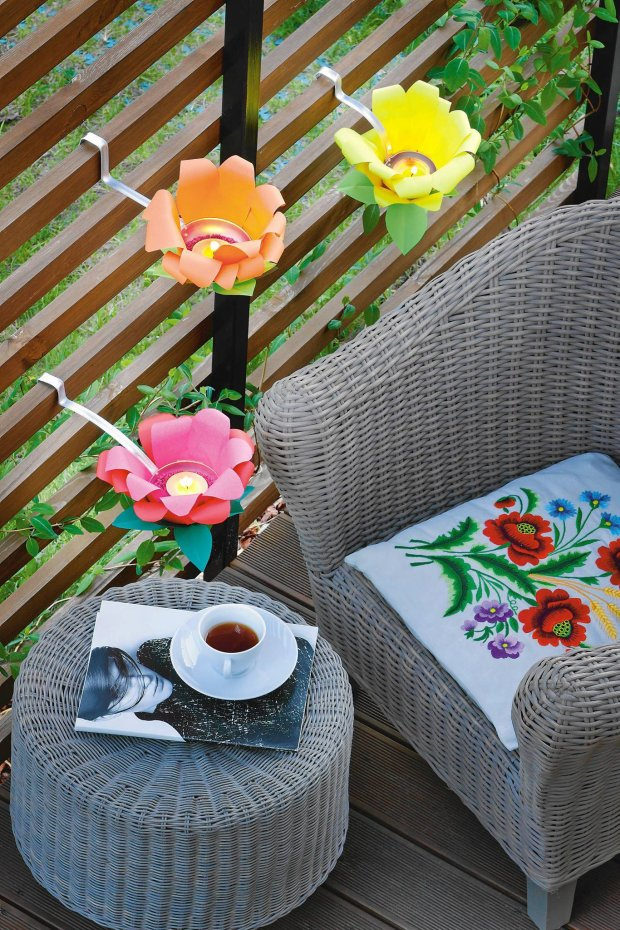 21 Mesmerizing DIY Projects That Will Beautify Your Garden This Summer usefuldiyprojects.com backyard (21)