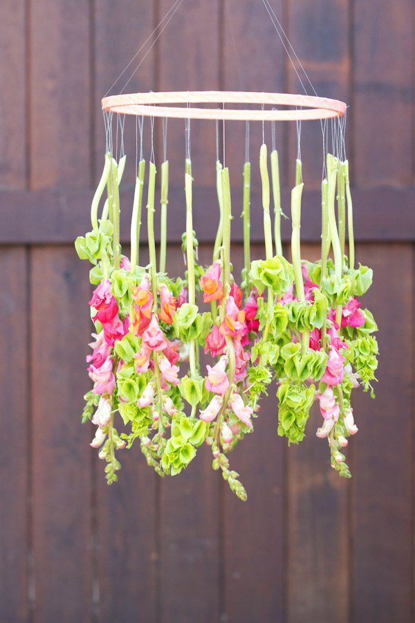 21 Mesmerizing DIY Projects That Will Beautify Your Garden This Summer usefuldiyprojects.com backyard (8)