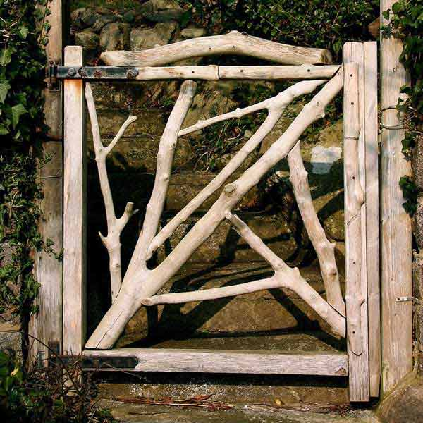 22 Insanely priceless Garden Gate DIY Projects Protecting Greenery in Style usefuldiyprojects.com