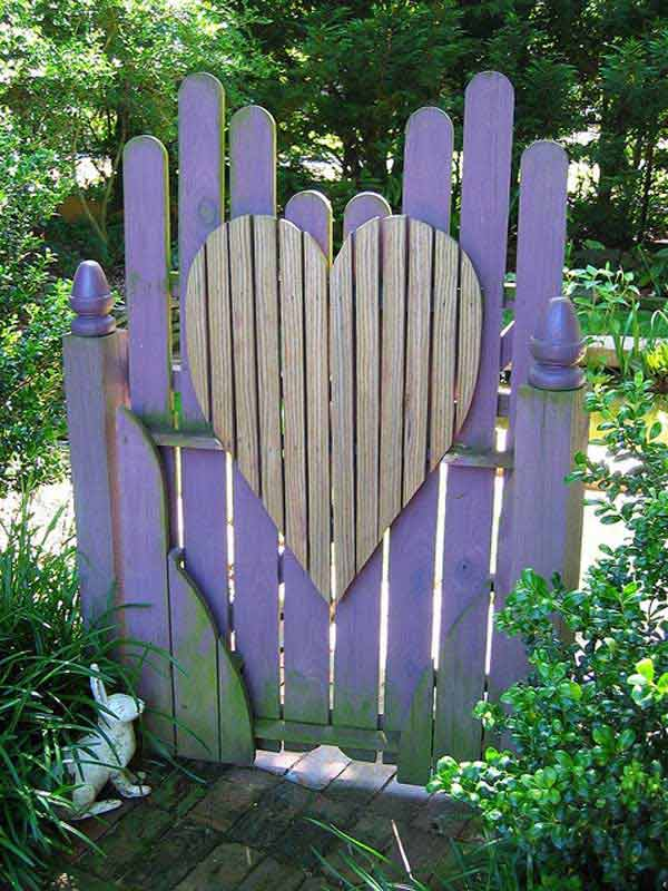 22 Insanely Charming Garden Gate DIY Projects Protecting Greenery in Style usefuldiyprojects.com outdoor space decor (20)