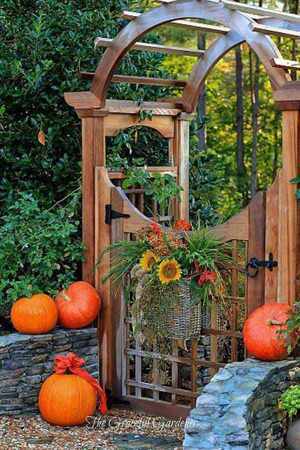 22 Insanely Charming Garden Gate DIY Projects Protecting Greenery in Style usefuldiyprojects.com outdoor space decor (8)