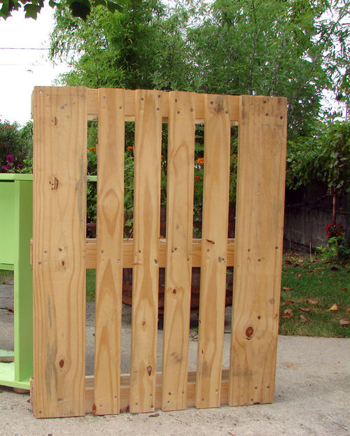 25 Fabulous Ways to Transform Wooden Pallets Into Pieces of Furniture usefuldiyprojects (8)