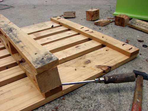 pallets into furniture. 25 Fabulous Ways To Transform Wooden Pallets Into Pieces Of Furniture Usefuldiyprojects (9)