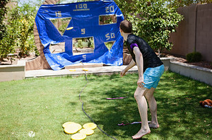 27 Extremely Fun Outdoor Games to Spice Up Your Summer usefuldiyprojects (17)