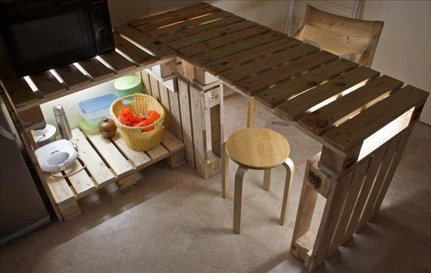 Wonderful 28 Incredible Methods Of Recycling Old Pallets Into Creative Furniture  Designs Usefuldiyprojects.com (