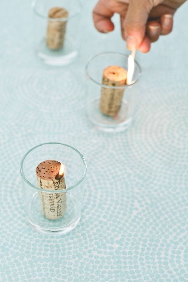 29 smart and ingenious wine cork diy crafts to do right now for Crafts to do with corks