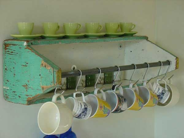 30 Extraordinary Creative and Graphic DIY Mug Storage To Beautify Your Kitchen  usefuldiyprojects.com decor (30)