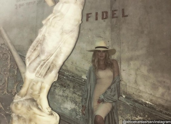 khloe-kardashian-blasted-by-social-media-users-for-posing-under-fidel-castro-sign-in-cuba
