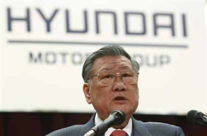 Hyundai Motor Chairman Chung Mong-koo attends the company's opening ceremony for the year in Seoul in this January 2, 2012 file photo. South Korea's smartphones and cars may have won global acceptance, but back home Koreans are increasingly disturbed by the influence the chaebol have over their lives. That very public anxiety is coming at a sensitive time for the conglomerates as they prepare the transtion to a third generation of family owners and face a strong, unwelcome, focus of attention in the run-up to 2012's parliamentary election. Hyundai Motor's Chung Mong-koo was sentenced to a three year jail term in 2007 for fraud which was suspended in exchange for community service and a $1 billion charity donation as he was deemed too important to the economy to be jailed. To match Insight KOREA-CHAEBOL/ REUTERS/Kim Hong-Ji/Files
