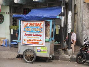 Jajanan di Pecinan Semarang