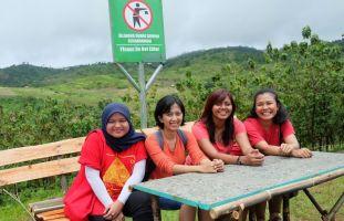 Di Puncak Darma, Sukabumi. (Photo by Memet)