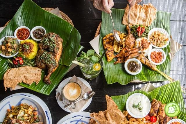 Tuck yourself to authentic Indonesian food at Ole Ole Bali! (Credit:Malaysian Foodie)
