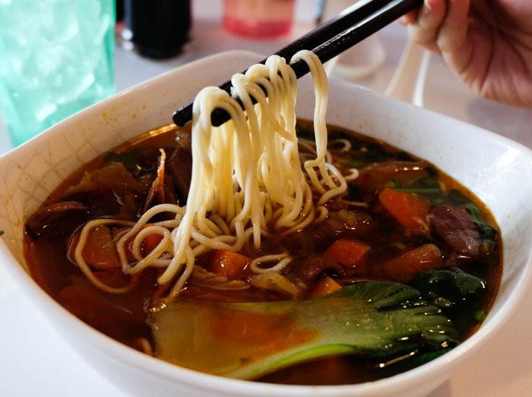 Enjoy a bowl of braised chicken soup noodles for just RM8.50! (Credits:Hungry Go Where)