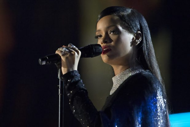 rihanna - third of the richest singers in the world