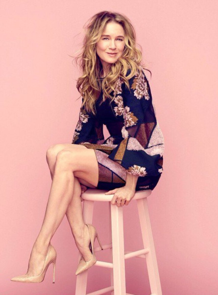 Renee Zellweger Is One Of The Most Talented Actresses In Hollywood She Also Happens To Be One Of The Most Stylish Women In Entertainment As Well