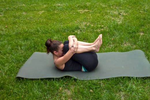 Yoga Poses to Relieve Menstrual Cramps Naturally Without Painkillers 8