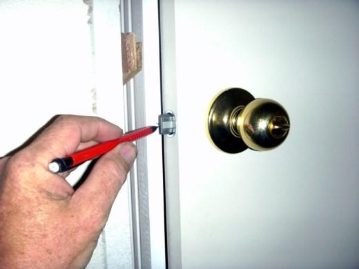 How To Fix A Broken Door Frame Latch | Frameswalls.org