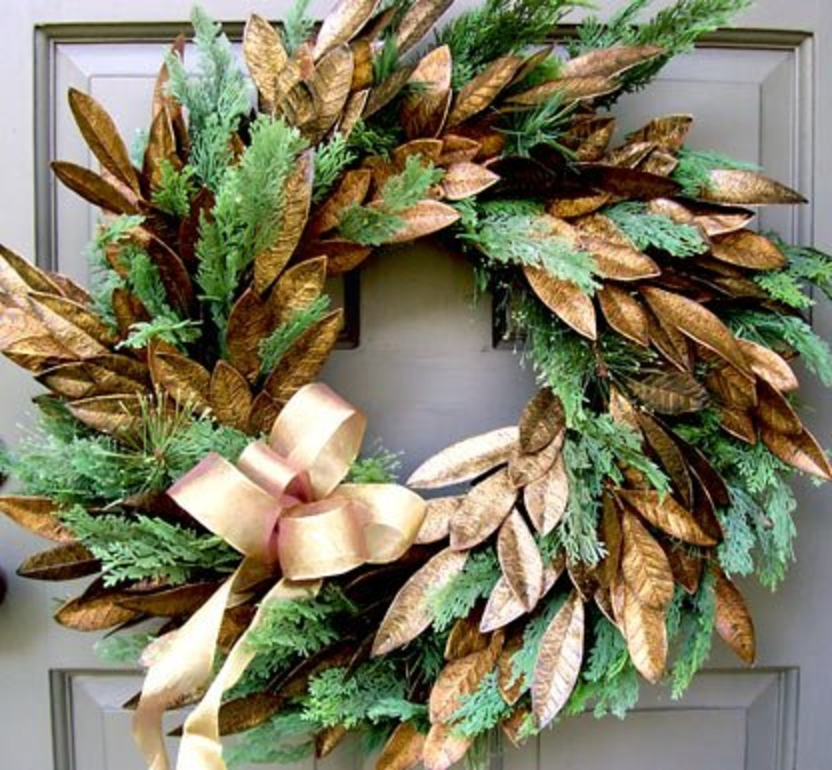 10 Ways to Decorate Evergreen Wreaths  Decoration Ideas for the     One of the most popular Christmas decorations is the evergreen wreath