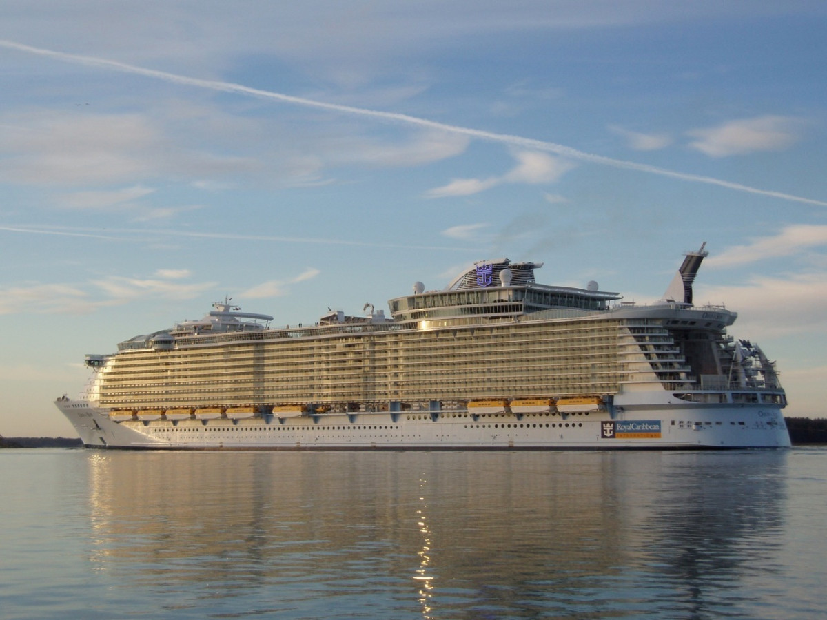 Comparison Of The Largest Cruise Ships The Royal
