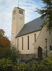 220px-Martin-Luther-Kirche_(Berlin-Lichterfelde)