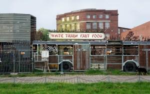 Die Besitzer des White Trash hatten Probleme mit ihren Vermietern im Prenzlauer Berg und entschossen sich, nach Treptow umzuziehen. (Foto: Jolanda Roskosch)