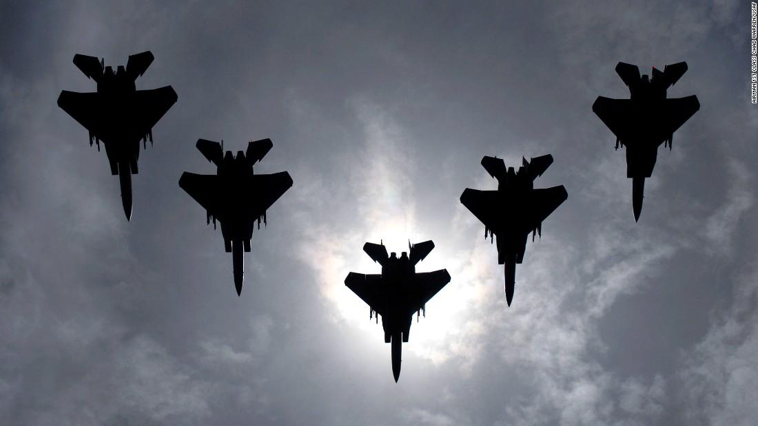 160114130245-f-15-eagles-super-169