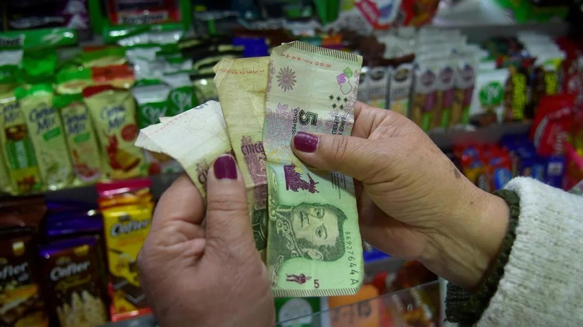 Los billetes de $ 5 seguirán vigentes hasta fin de febrero — Es oficial