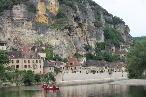 La Rogue Gageac from the Dordogne