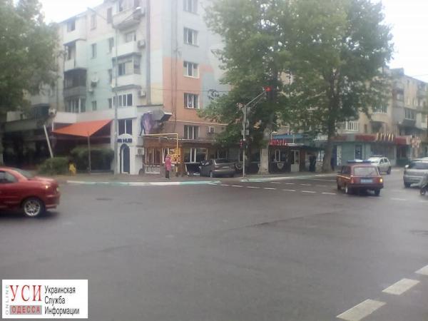 ДТП в Черноморске: авто влетело в ресторан (фото ...