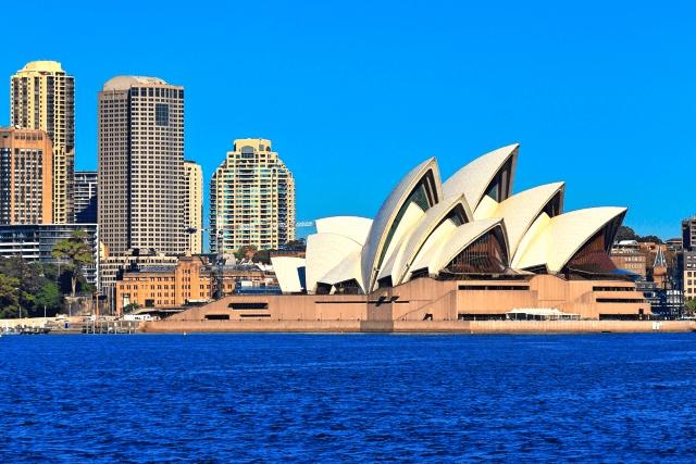留学便利グッズをオーストラリアに旅立つ友人にプレゼントするなら